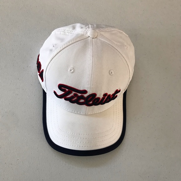 Titleist Men's Golf Hat Adjustable Size